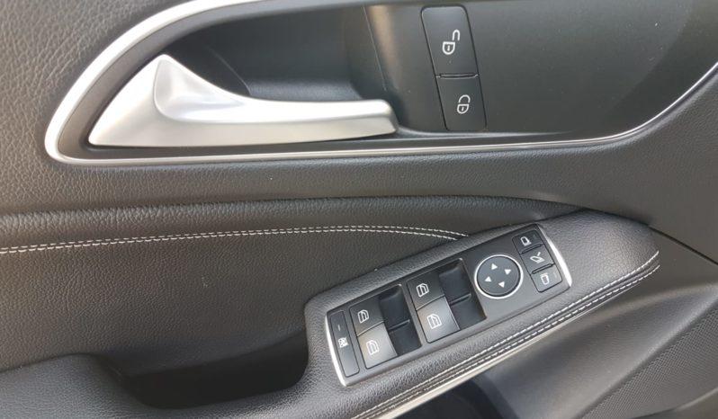 Mercedes-Benz GLA 180 d Automatic Sport completo